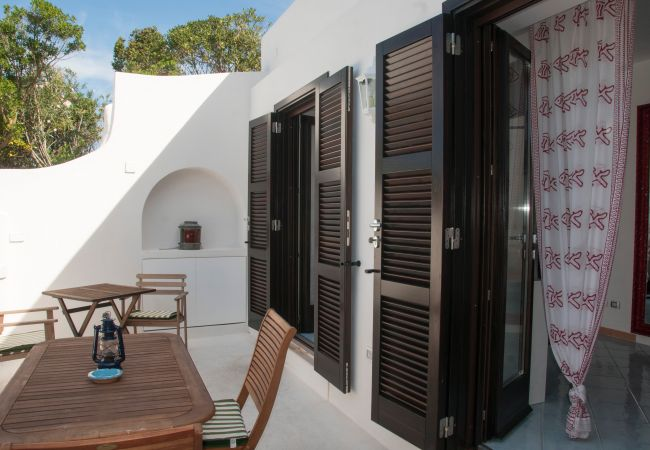 Rent by room in Ponza - B&B Il Gabbiano camera tripla 06