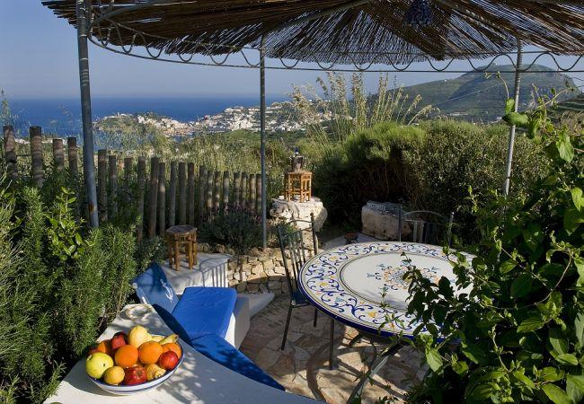 Chambres d'hôtes à Ponza - B&B Il Gabbiano camera matrimoniale 01
