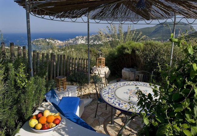 Bed and Breakfast на Ponza - B&B Il Gabbiano camera tripla 06